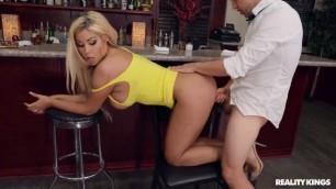 Bridgette B Gorgeous Boobs Cocktail Tease Sneakysex Realitykings Exploitedcollegegirls Veronica