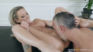 Brazzers Dirty Masseur Isabelle Deltore Horny Housewivies
