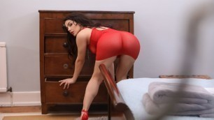 Brazzers - Neighbor Valentina Nappi Gives For Play With Her Ass