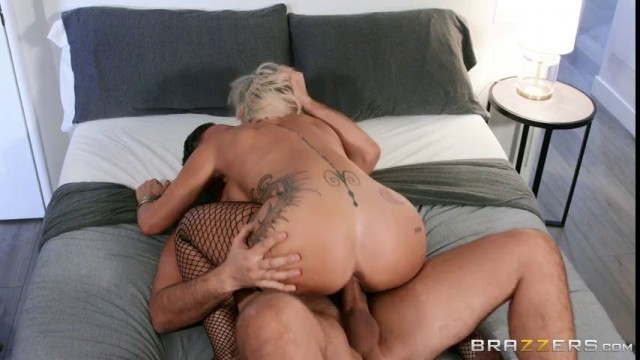 Hd Sex Videos Robbin Banx Streetwalking Seduction Brazzers