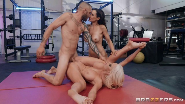 Brazzersexxtra Lisa Ann And Nicolette Shea The Fuck Off Best Pussy