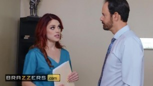Brazzers - Redhead Lesbians Lick Pussy at Dentist Office