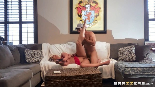 Milf Mom And Son Brazzers Feeling Up Phoenix Phoenix Marie And Johnny Castle Hottest Xxx