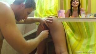 Brazzers Jynx Maze Lemonade Lady Wifes Giving Hand Jobs