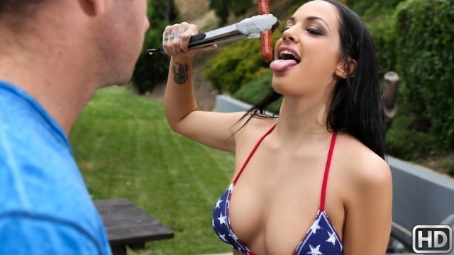 Reality Kings - Boned On The Fourth Of July Sofi Ryan Fucked On A Picnic