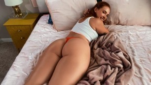 Brazzers - Siri Dahl Gets Caught And Fucked By Her Roomie